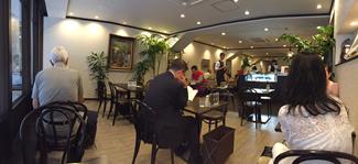 カフェーパウリスタ店内